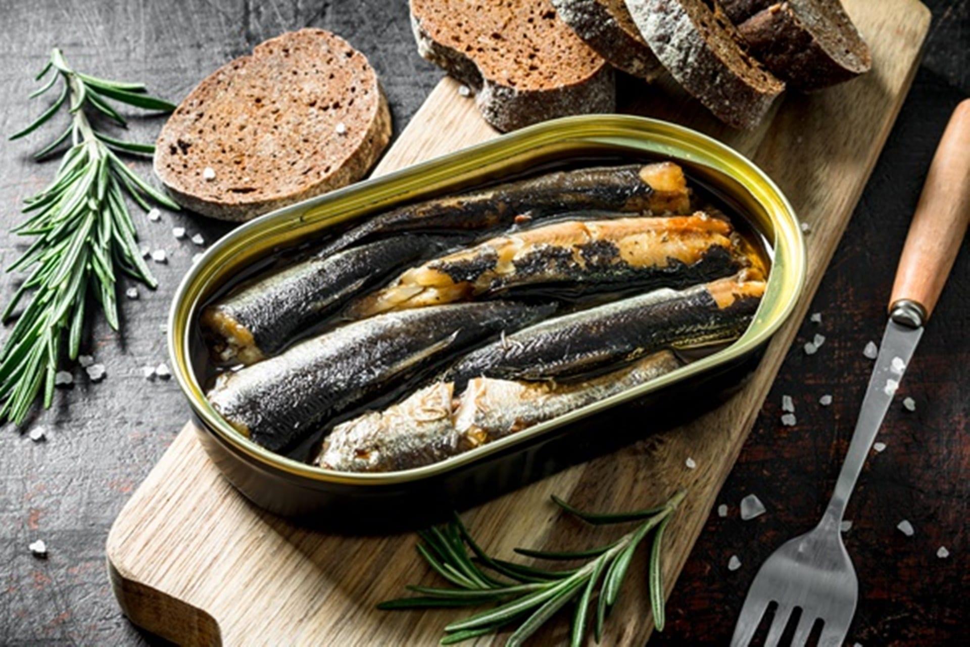 イワシの缶詰で手軽に魚不足解消!豊富な栄養素は缶詰随一!?