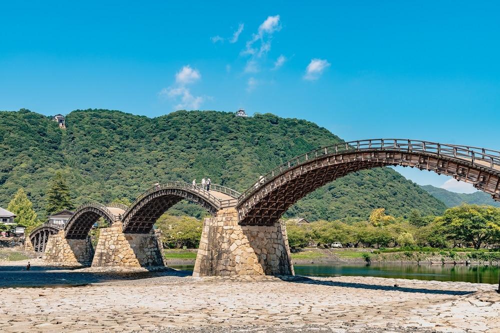 錦帯橋は世界で唯一の木造アーチ橋!魅力満載の観光スポット大公開!