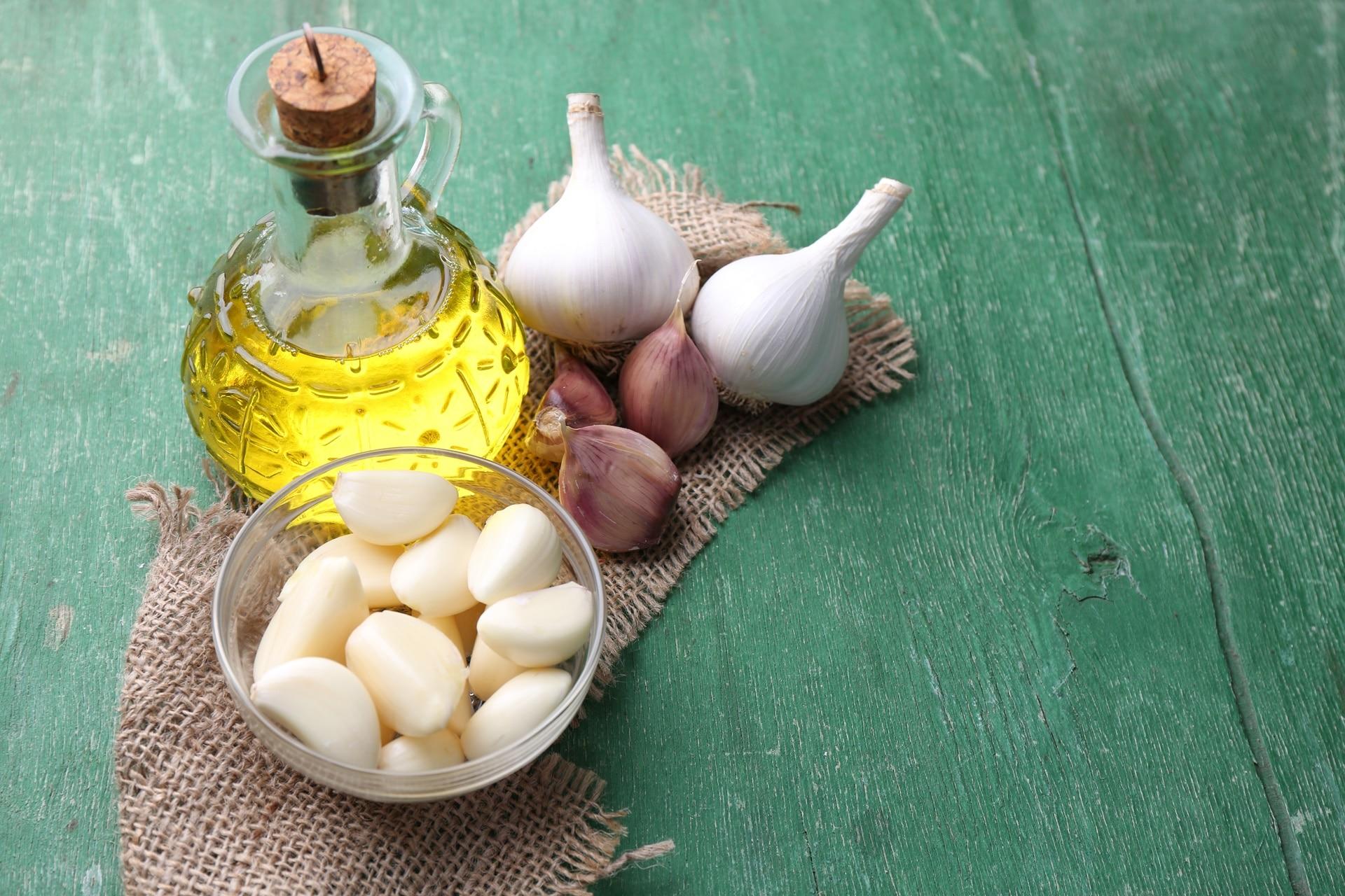 話題の健康食、ニンニクオリーブの効果と作り方を大公開します!